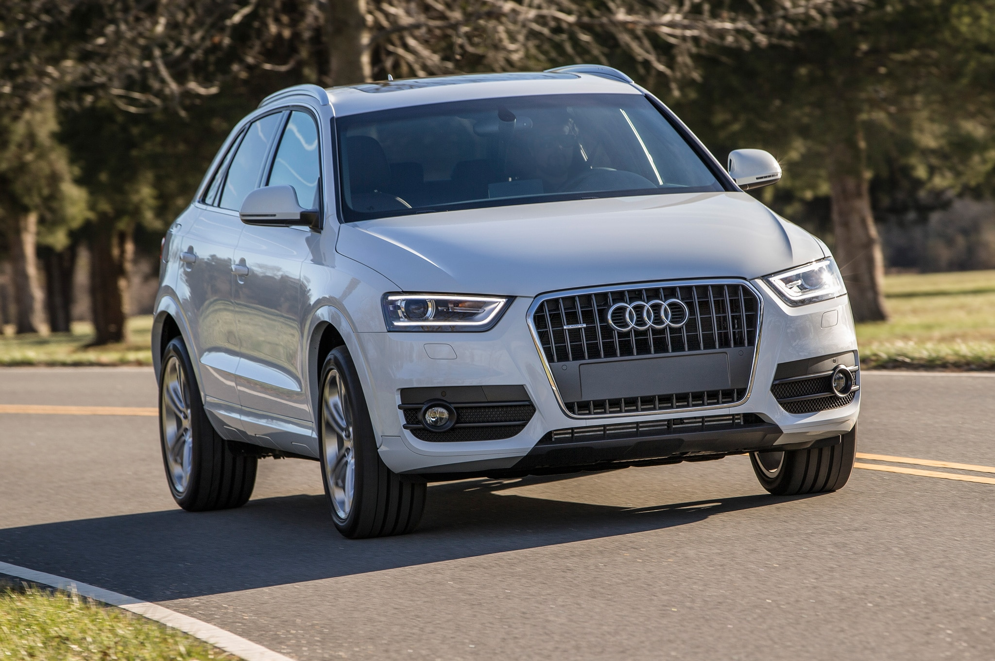 2015 Audi Q3 Front View On Road1