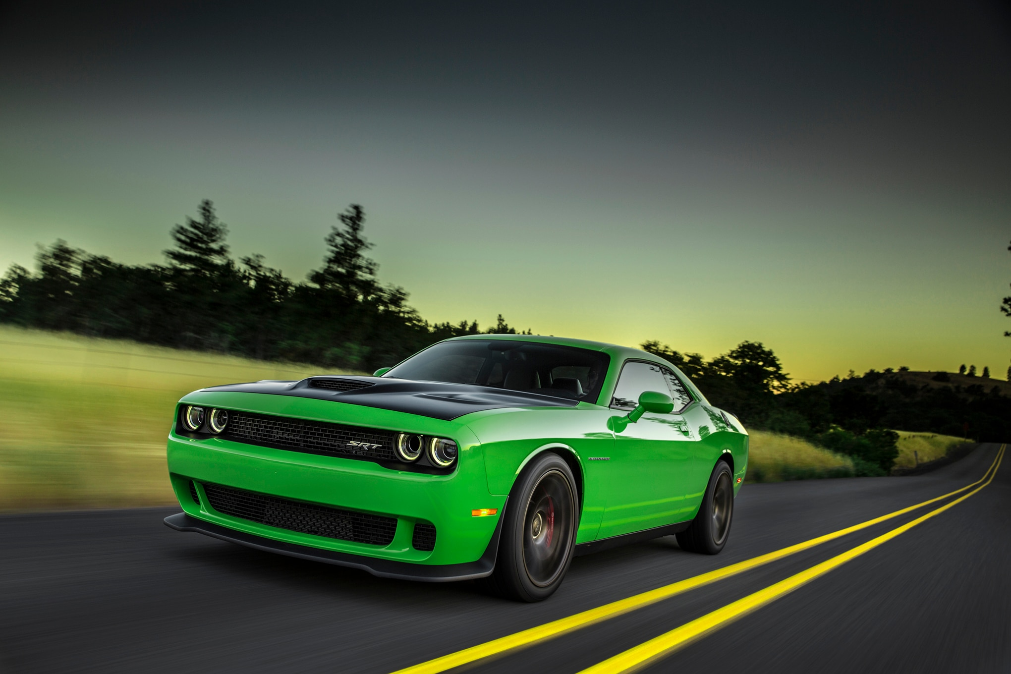 driving a 2015 dodge challenger hellcat in a snowstorm. Black Bedroom Furniture Sets. Home Design Ideas