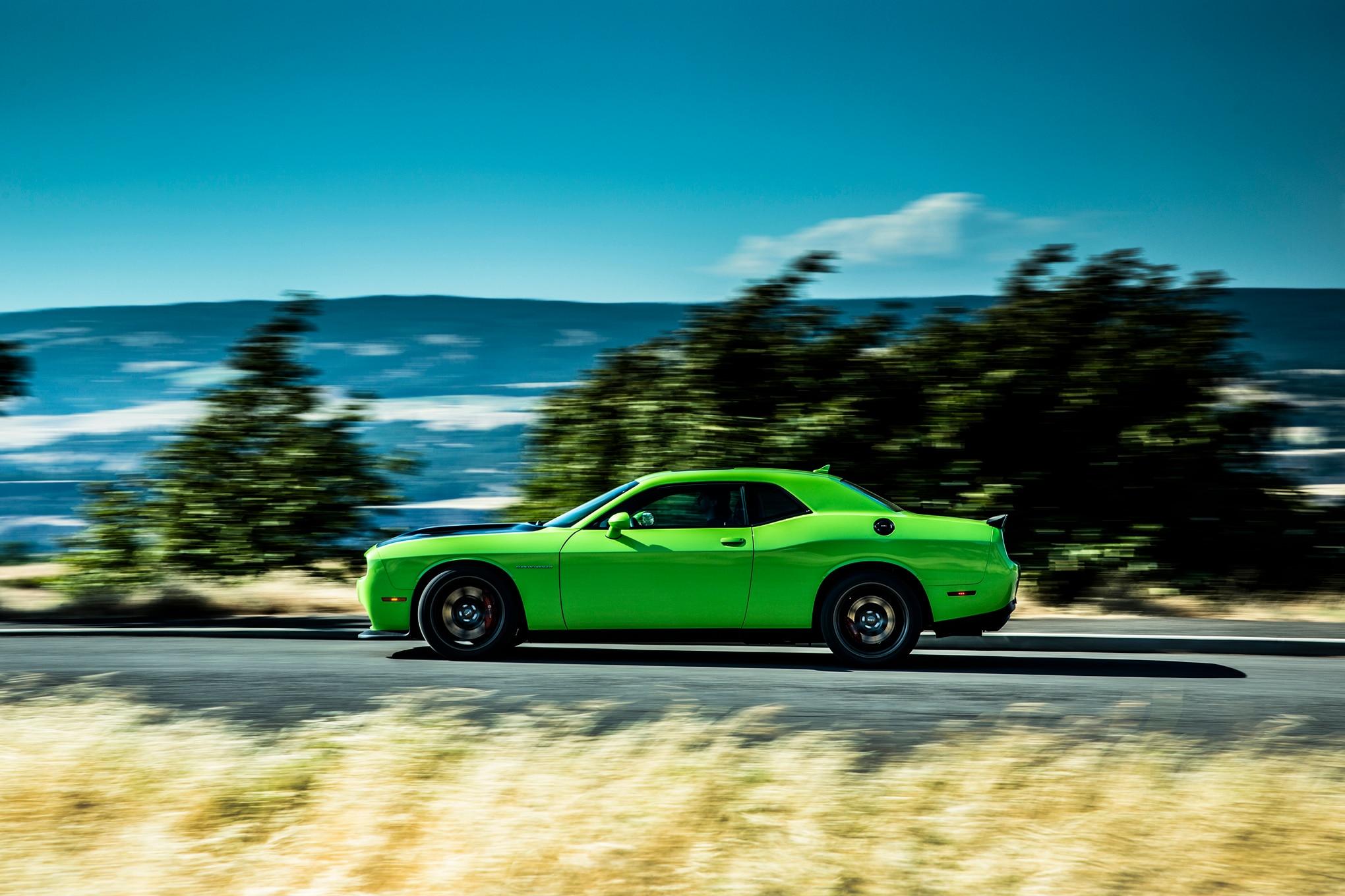 2015 Dodge Challenger SRT Hellcat Side In Motion1