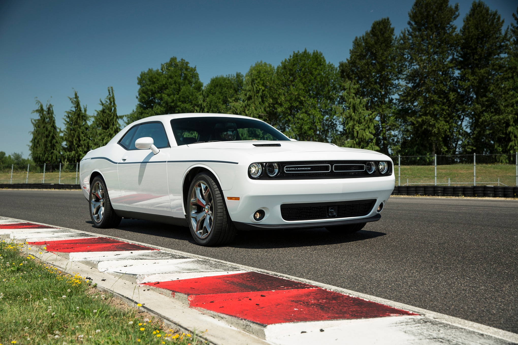 2015 Dodge Challenger SXT Plus Front Three Quarter 03