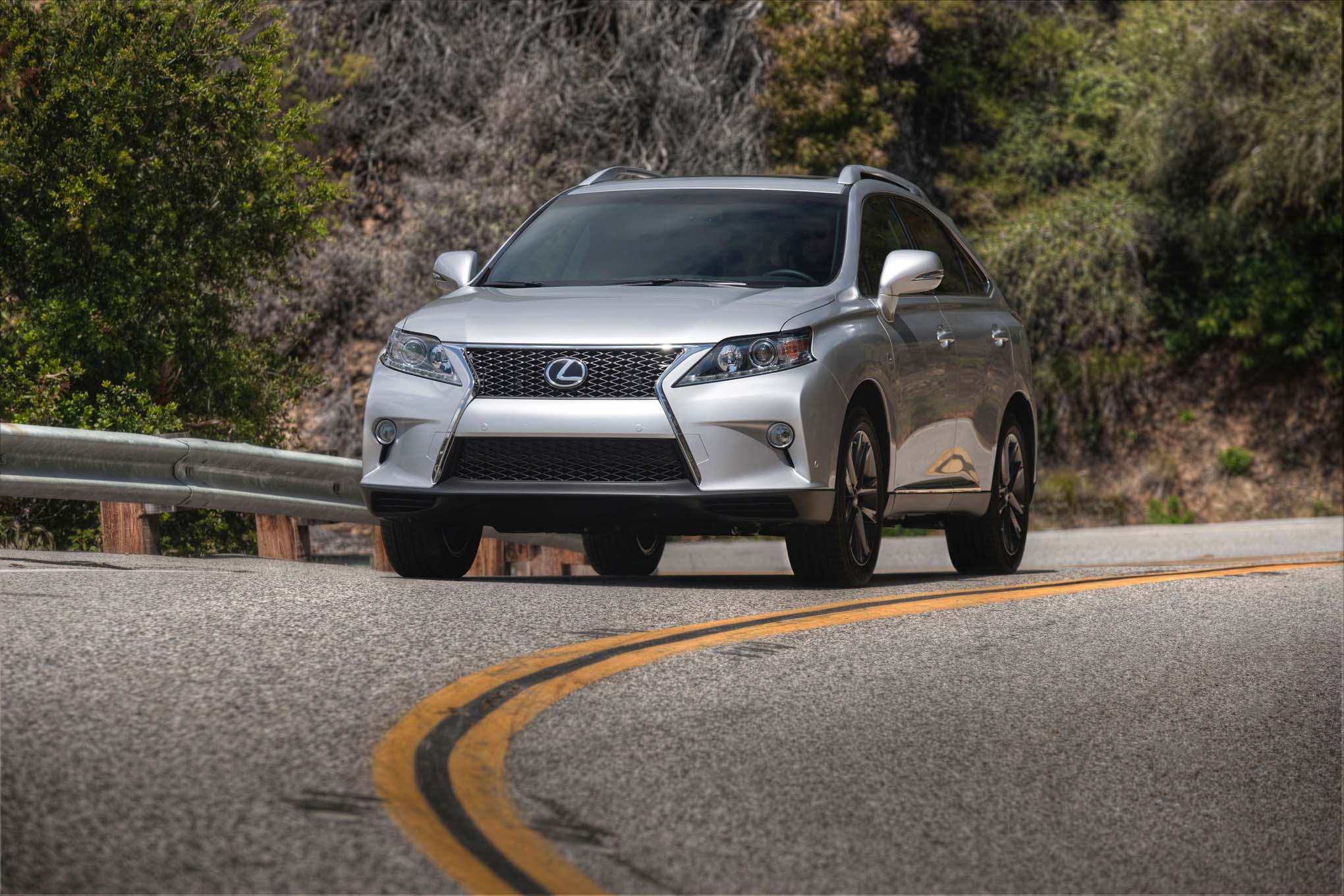2015 Lexus RX 350 F Sport Front Three Quarter In Motion1