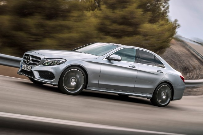 2015 Mercedes Benz C Class Front View In Motion 660x438