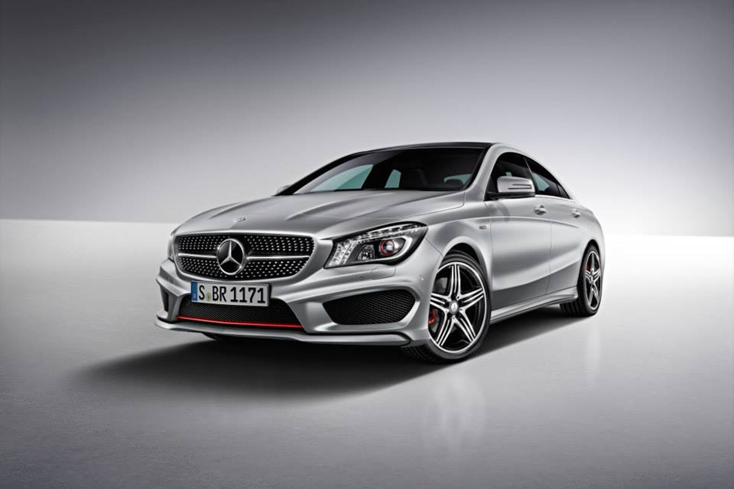2015 Mercedes Benz CLA250 Sport Package Plus Front View1