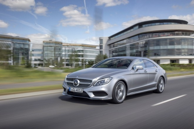 2015 Mercedes Benz CLS400 Front Three Quarters In Motion 03 660x440