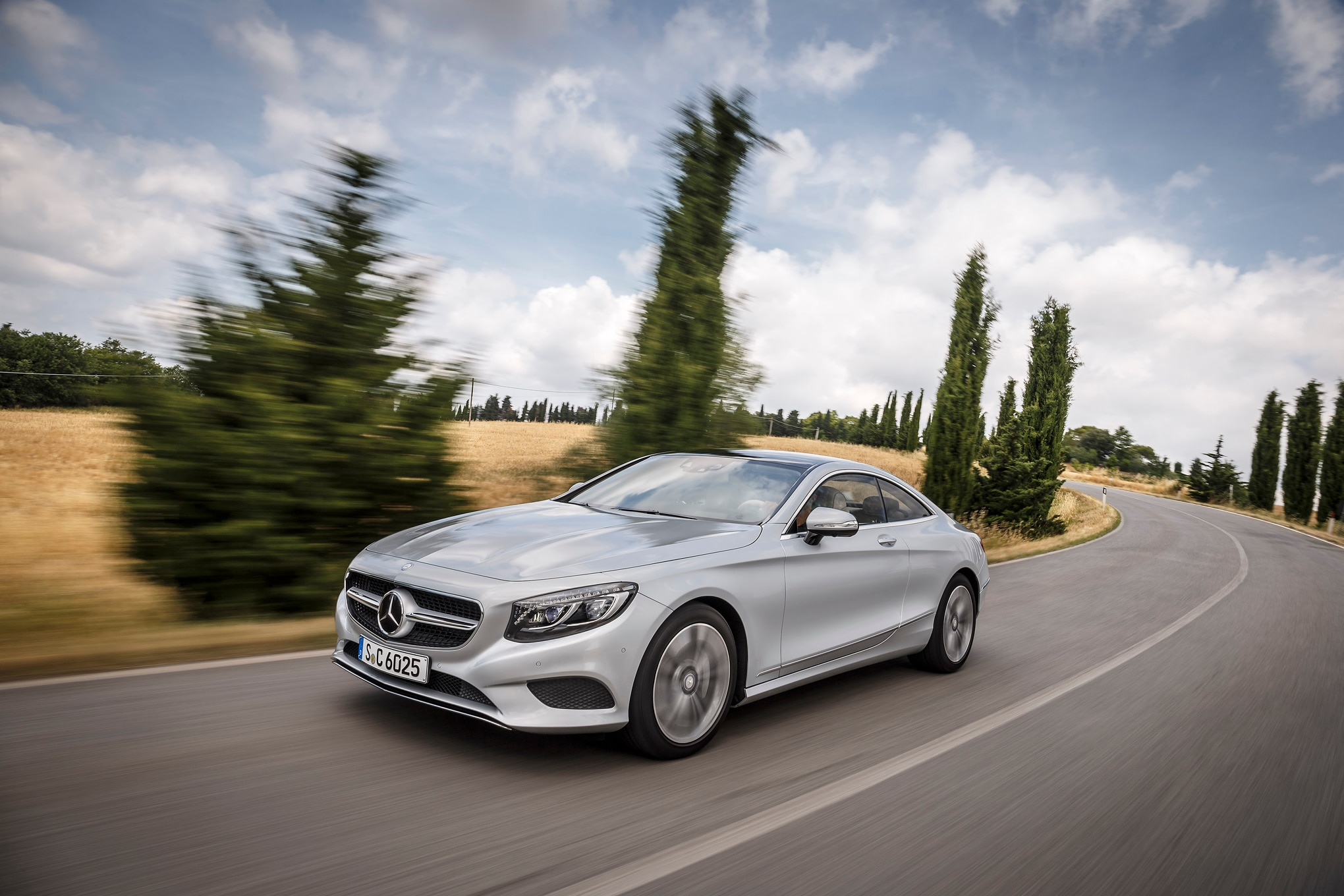 2015 Mercedes Benz S500 Coupe Front Three Quarter In Motion