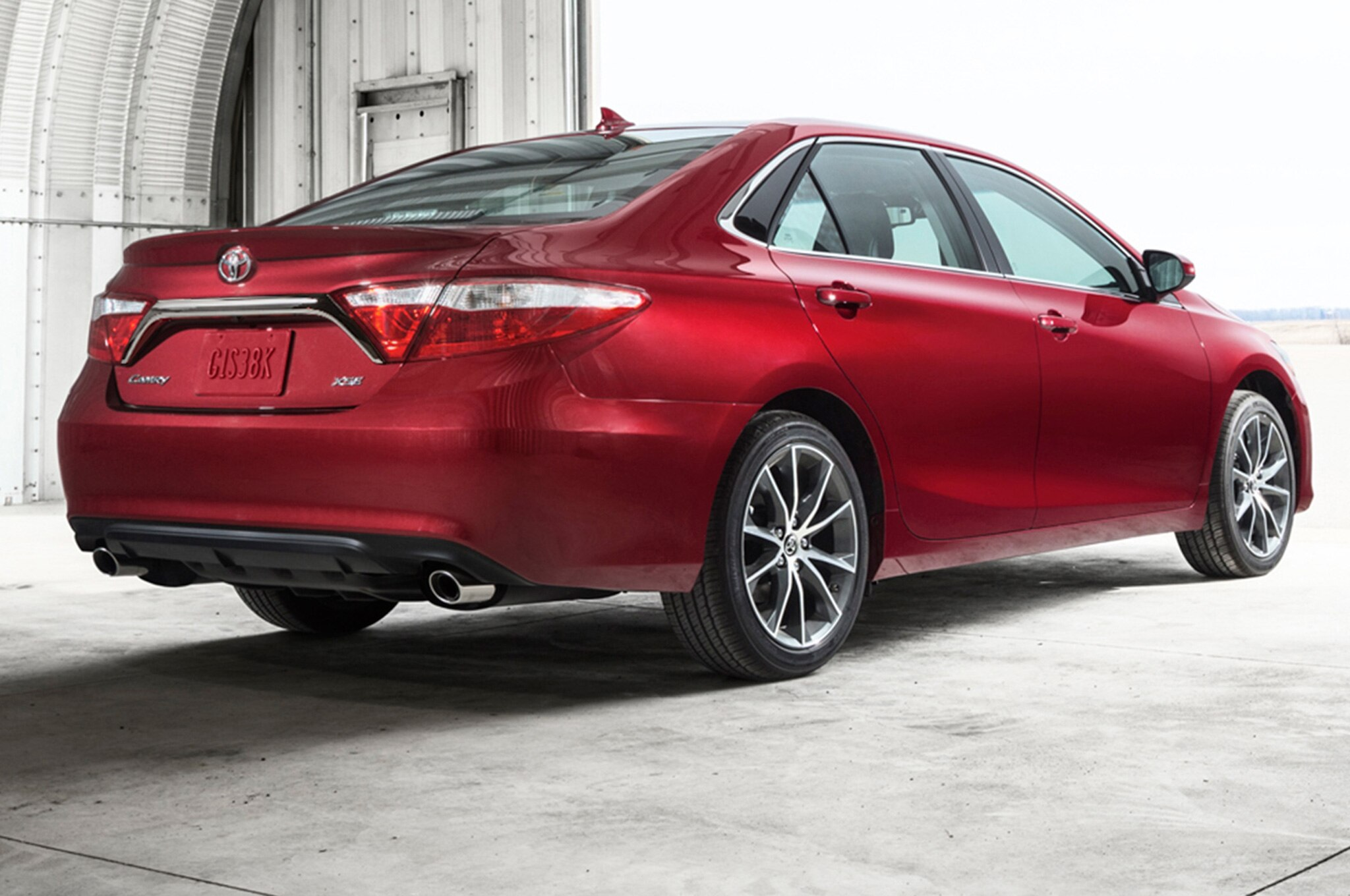 2015 Toyota Camry XSE rear side view report next toyota camry to receive turbo four cylinder?  at alyssarenee.co