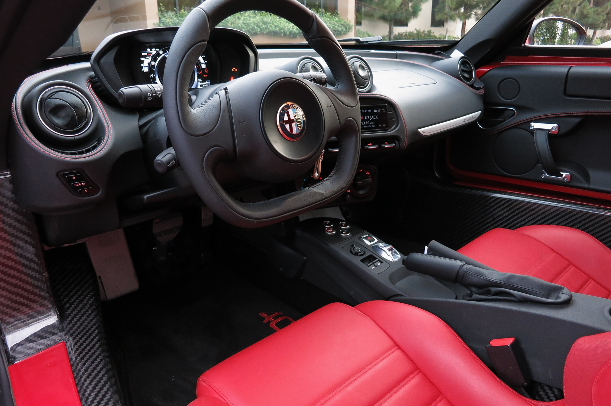 2015 alfa romeo 4c around the block. Black Bedroom Furniture Sets. Home Design Ideas