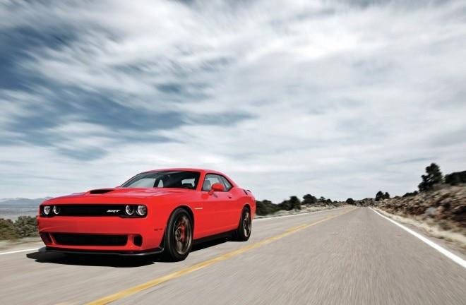 2015 Dodge Challenger Hellcat Front Three Quarter 660x432