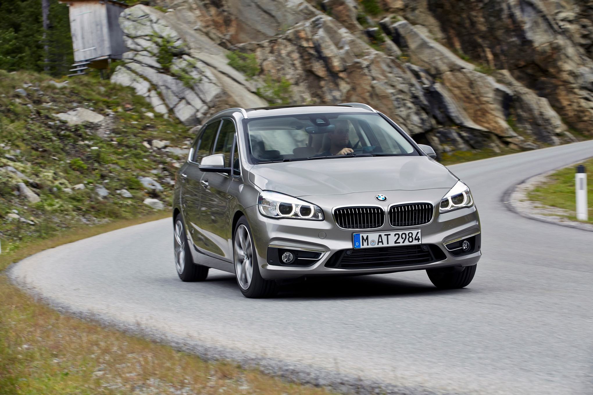 2016 BMW 225i Active Tourer Front End Turn1