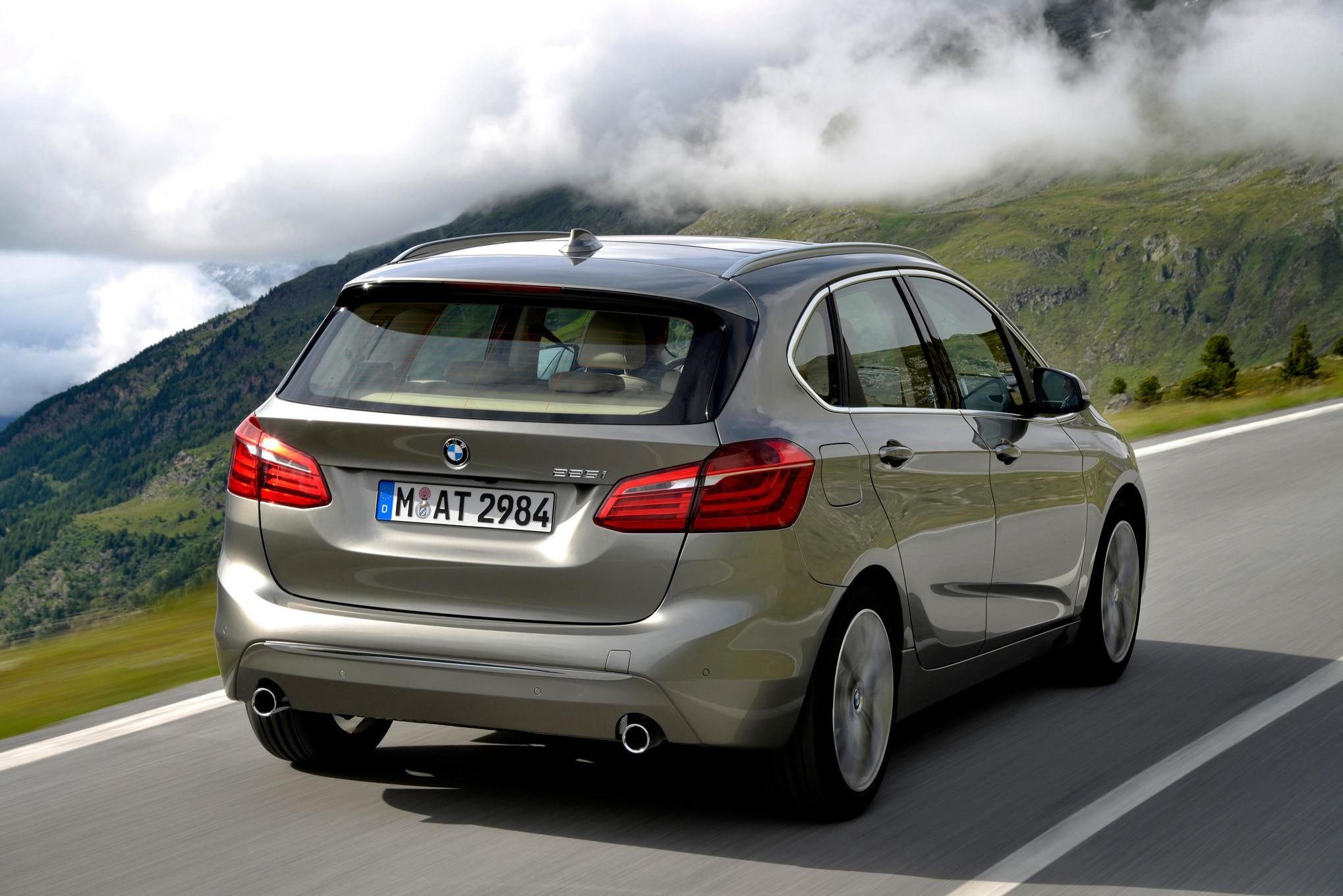 BMW Series Active Tourer Review - Bmw 225i