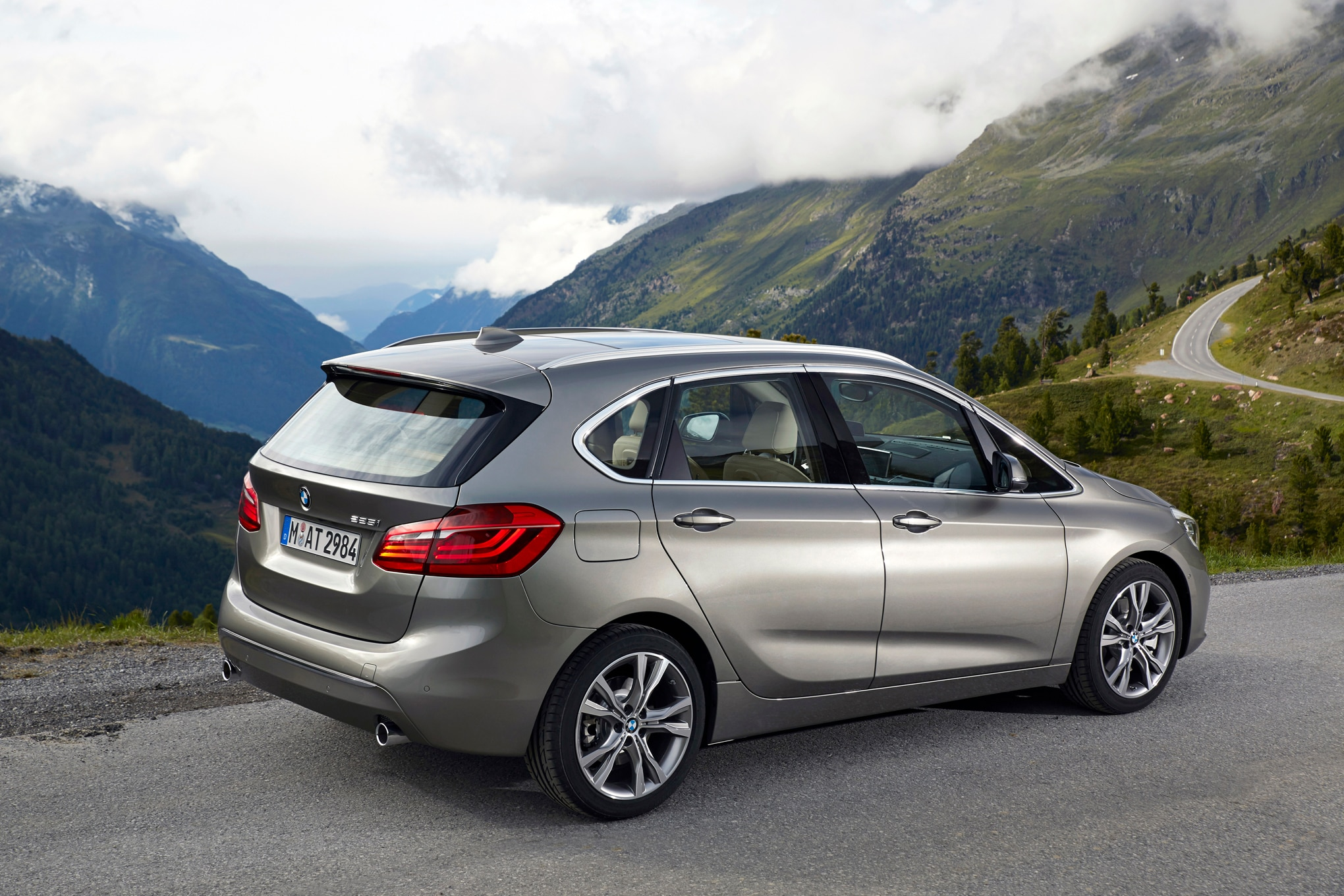 2016 bmw 2 series active tourer review. Black Bedroom Furniture Sets. Home Design Ideas