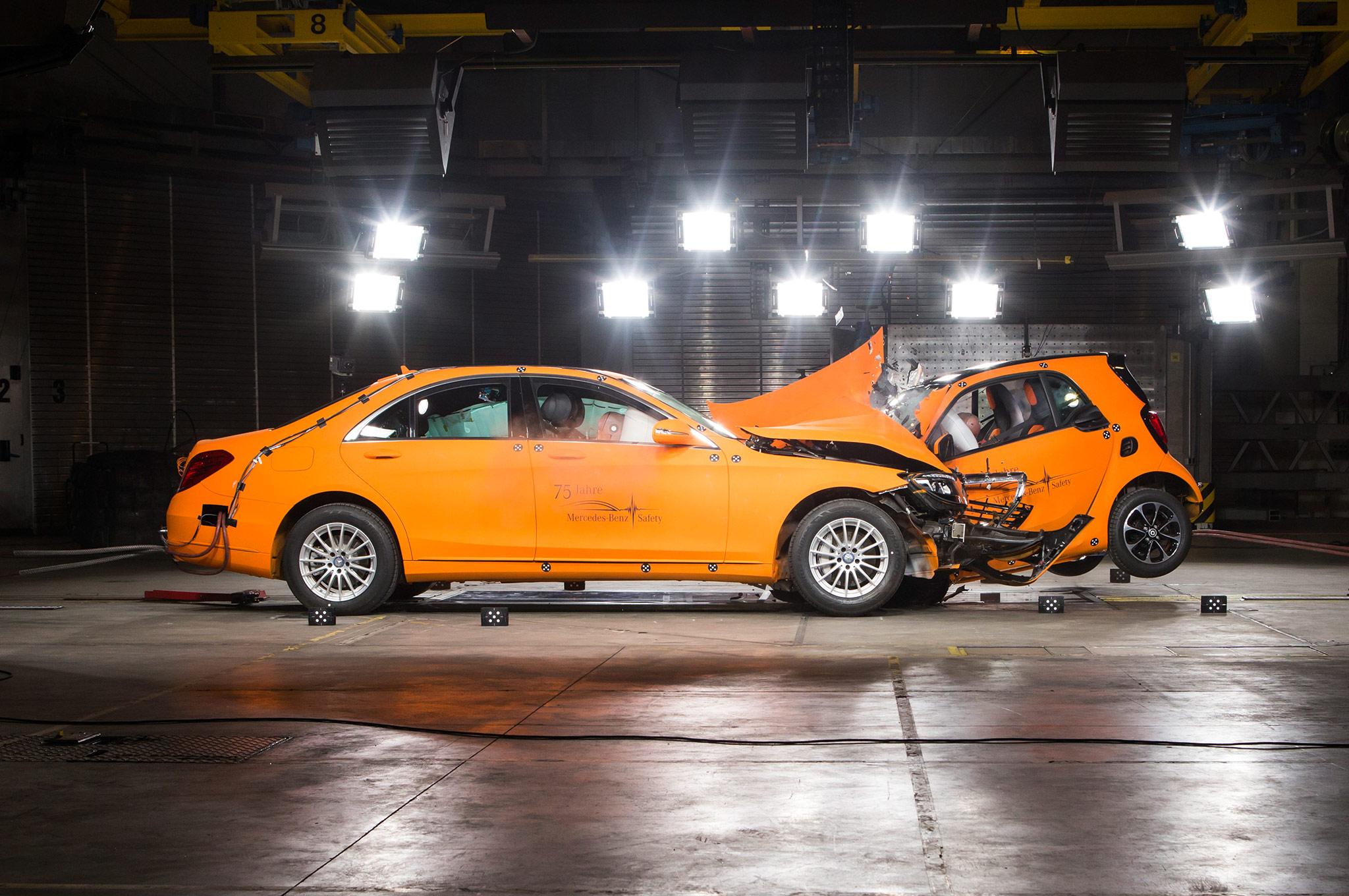 2016 Smart Fortwo With Mercedes Benz S Class Crash Test Crash1