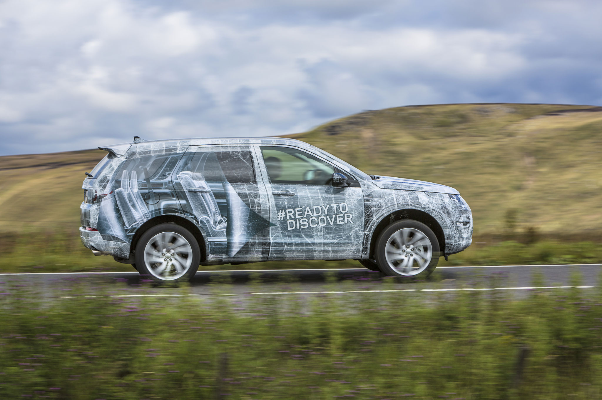 2015 land rover discovery sport shown with camouflage. Black Bedroom Furniture Sets. Home Design Ideas