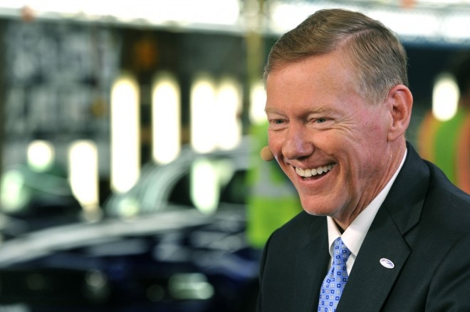Alan Mulally Ford Scholarship1 660x438