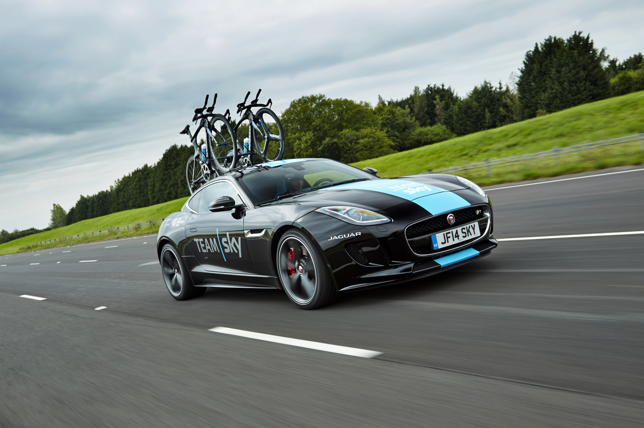 Jaguar F Type R Coupe Team Sky 05 Front Three Quarter1