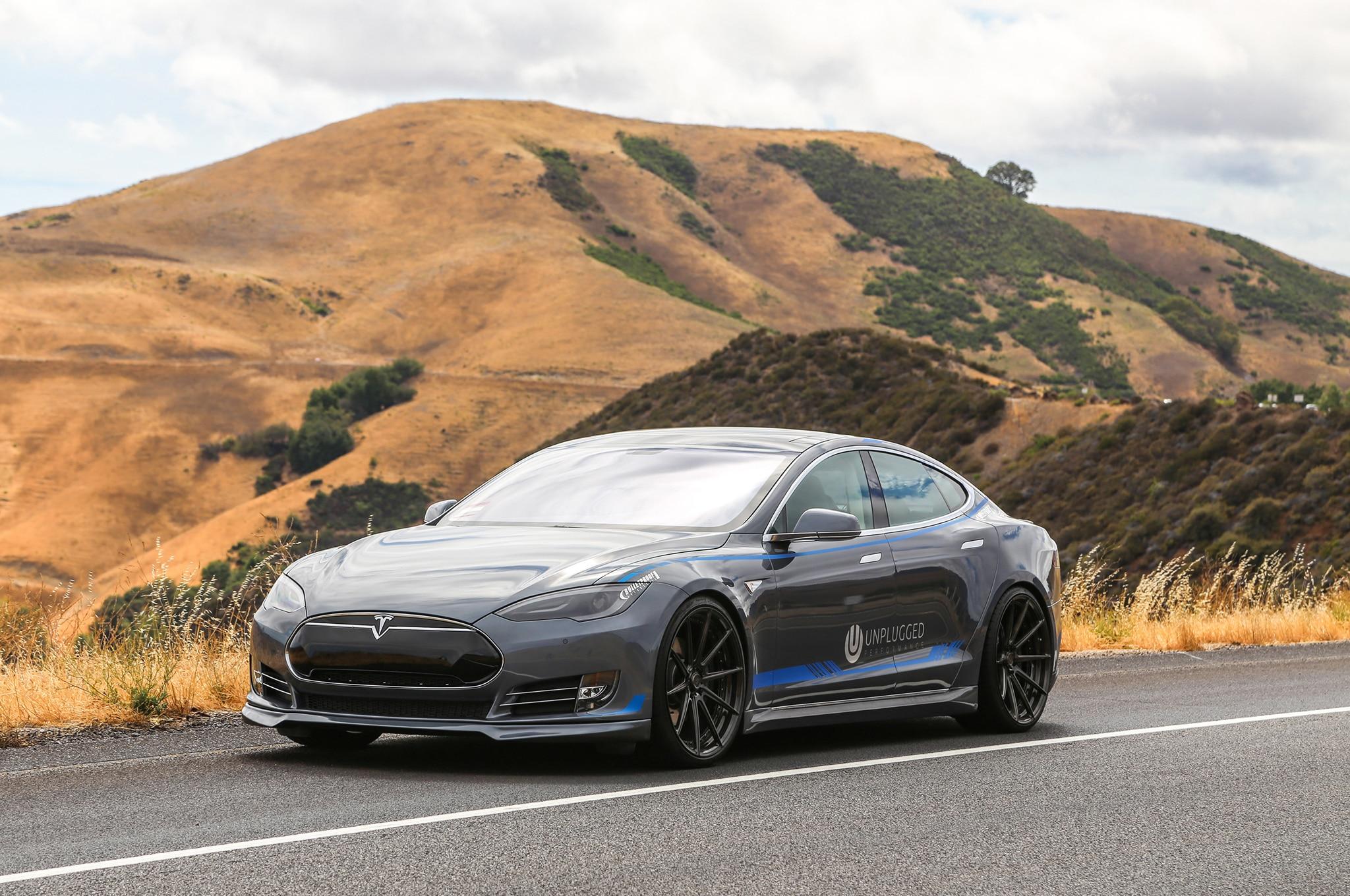Unplugged Tesla Model S 12 Three Quarter1