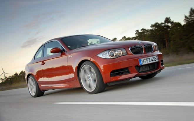 1005 03 2011 BMW 135i DCT Front Three Quarter View1 660x413