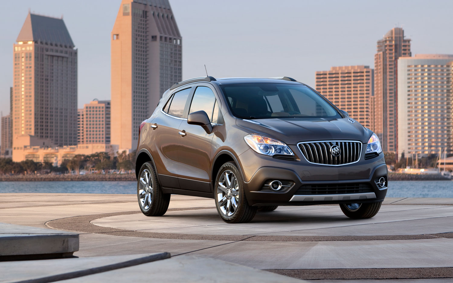 2013 Buick Encore Front Three Quarter View1