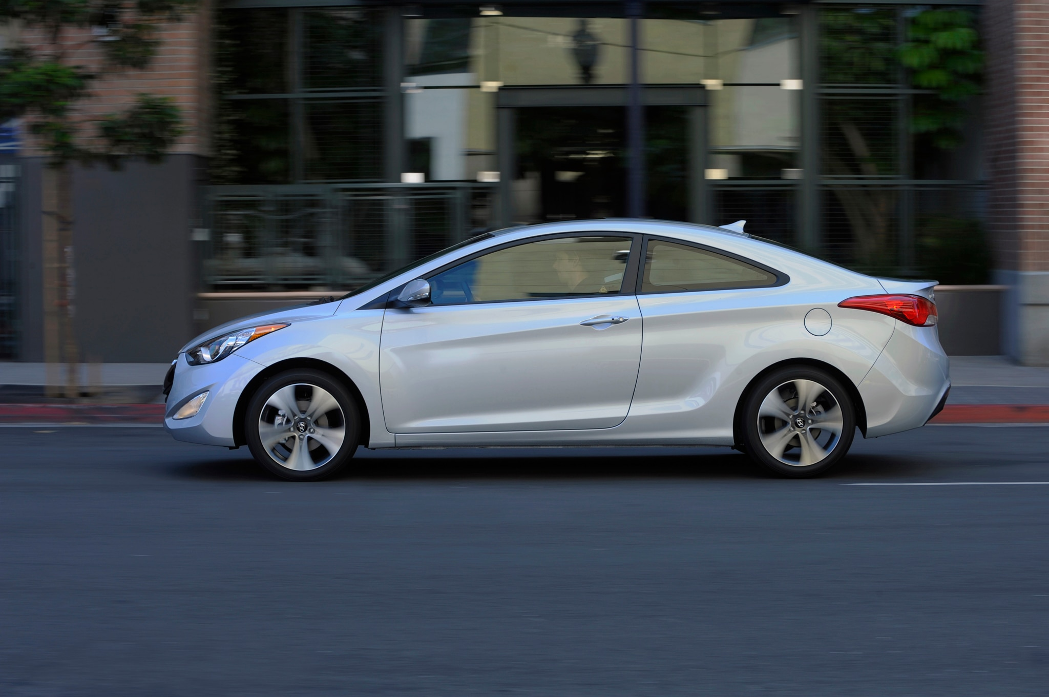 hyundai elantra coupe discontinued for 2015. Black Bedroom Furniture Sets. Home Design Ideas