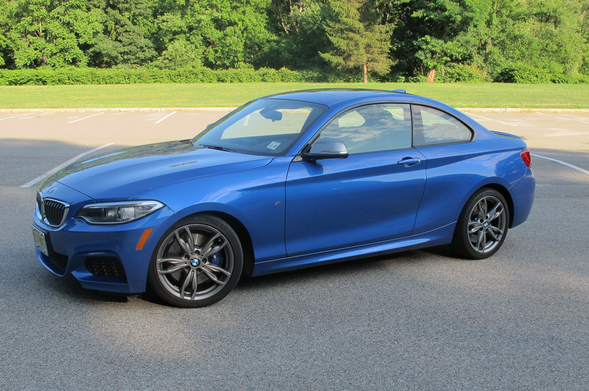 2014 BMW M235i Front Three Quarter 05