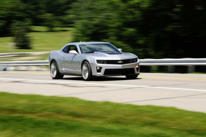2014 Chevrolet Camaro ZL1 Front Side Motion View 21 660x438