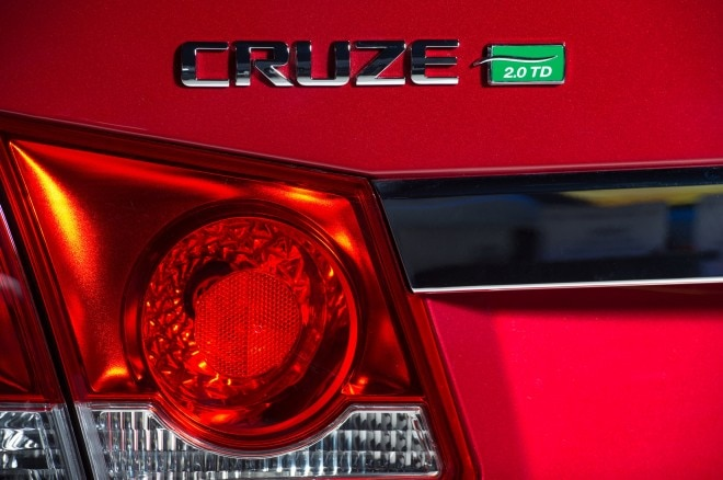 2014 Chevrolet Cruze Turbo Diesel Taillight1 660x438