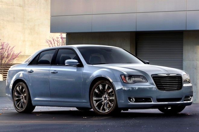 2014 Chrysler 300S Front Three Quarters1 660x438