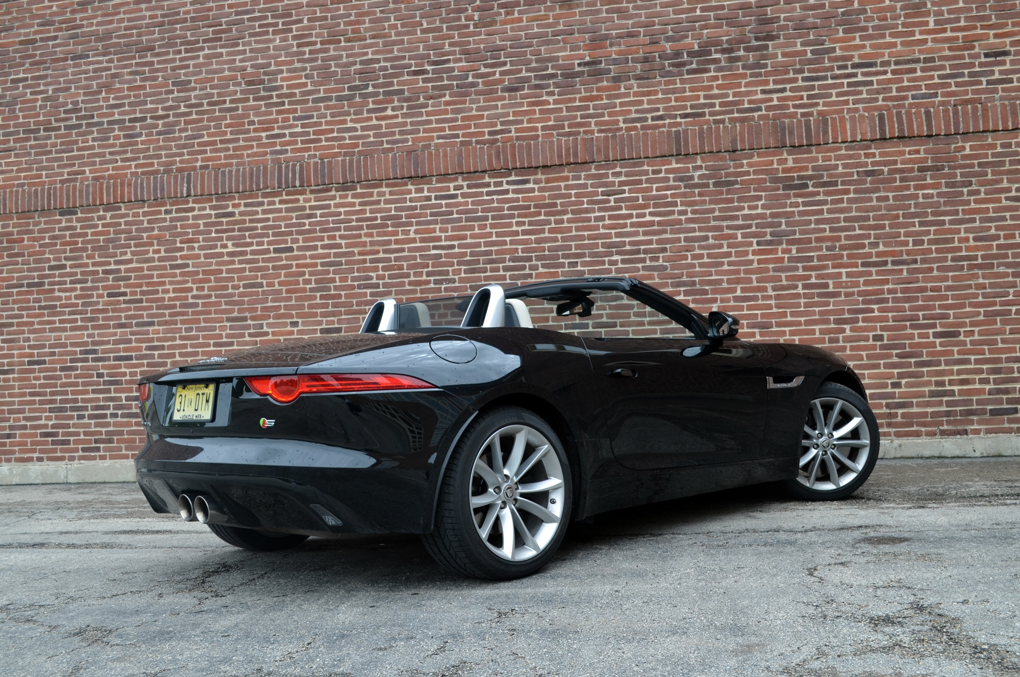 2014 jaguar f type s convertible around the block. Black Bedroom Furniture Sets. Home Design Ideas