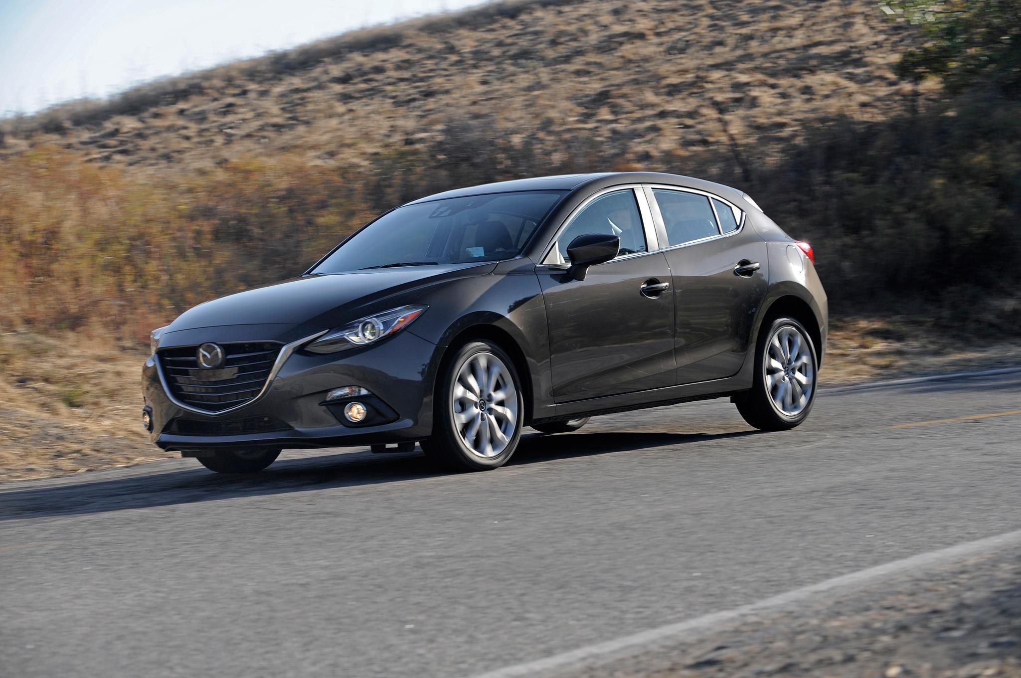 2014 Mazda3 Front Three Quarter1