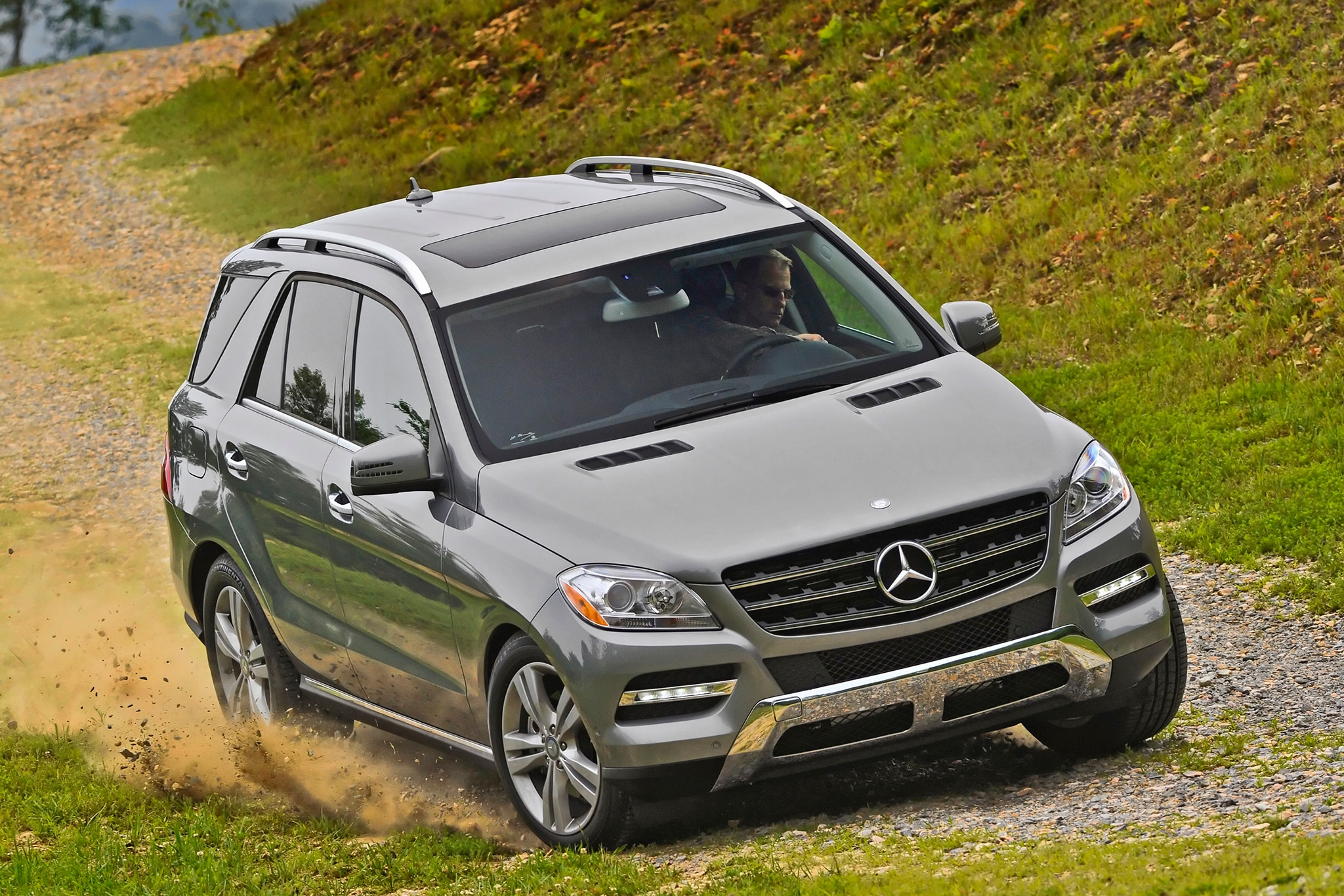 2015 mercedes benz ml400 and ml250 bluetec join lineup