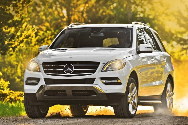 2014 Mercedes Benz ML350 BlueTEC 4MATIC Front End In Motion Offroad1 660x440