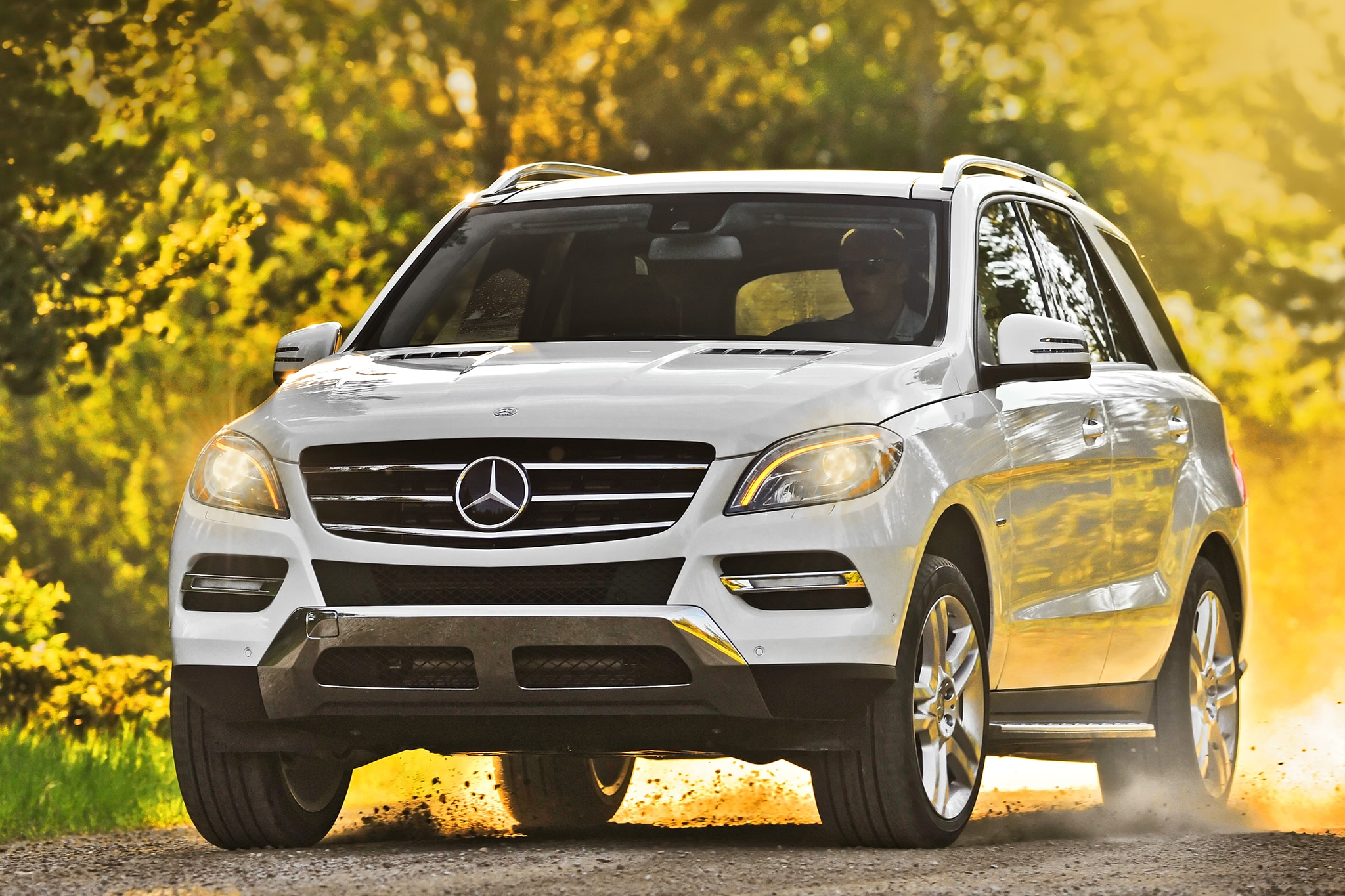 2014 Mercedes Benz ML350 BlueTEC 4MATIC Front End In Motion Offroad1