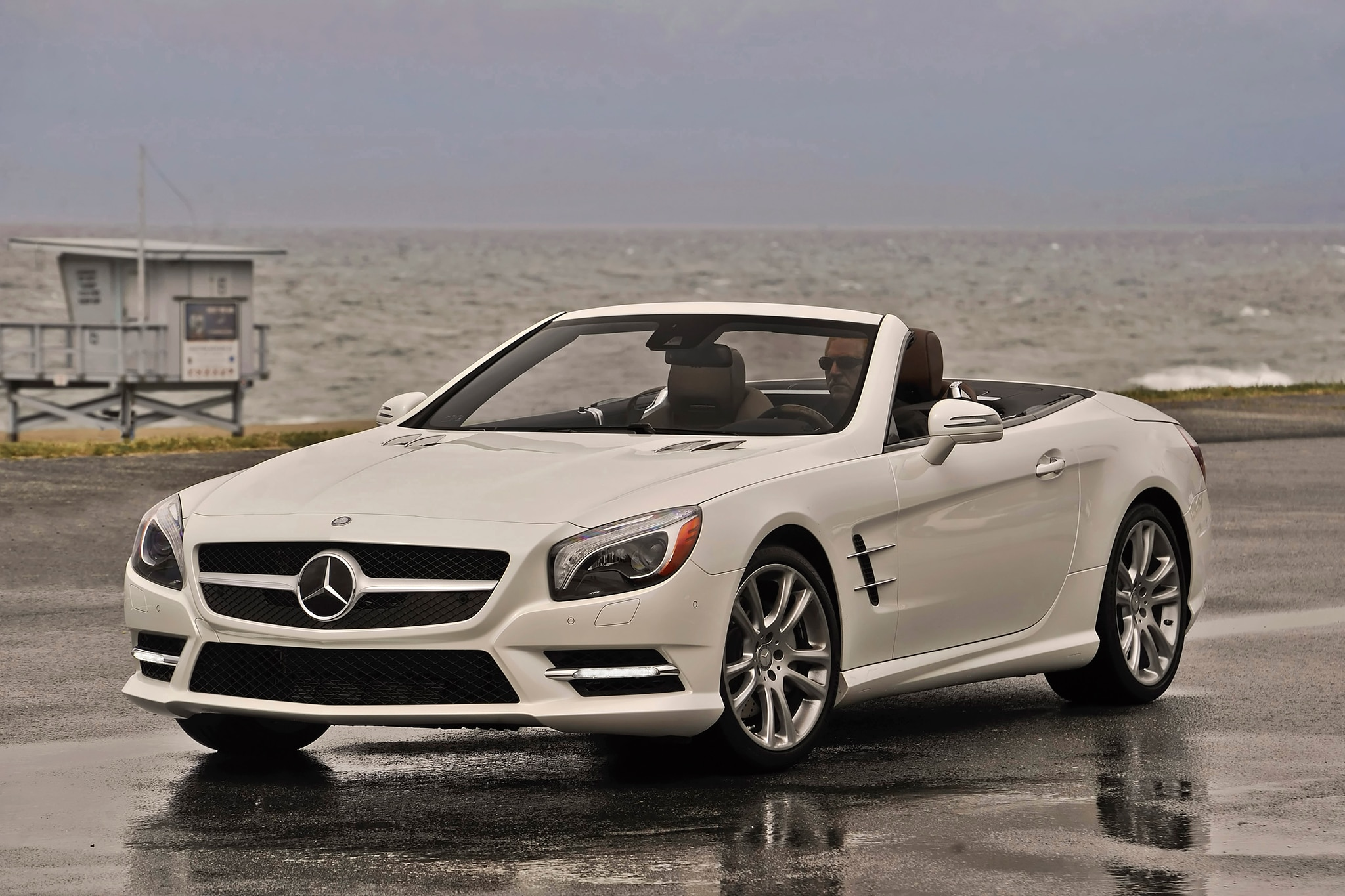 2014 Mercedes Benz SL550 Front Side View1