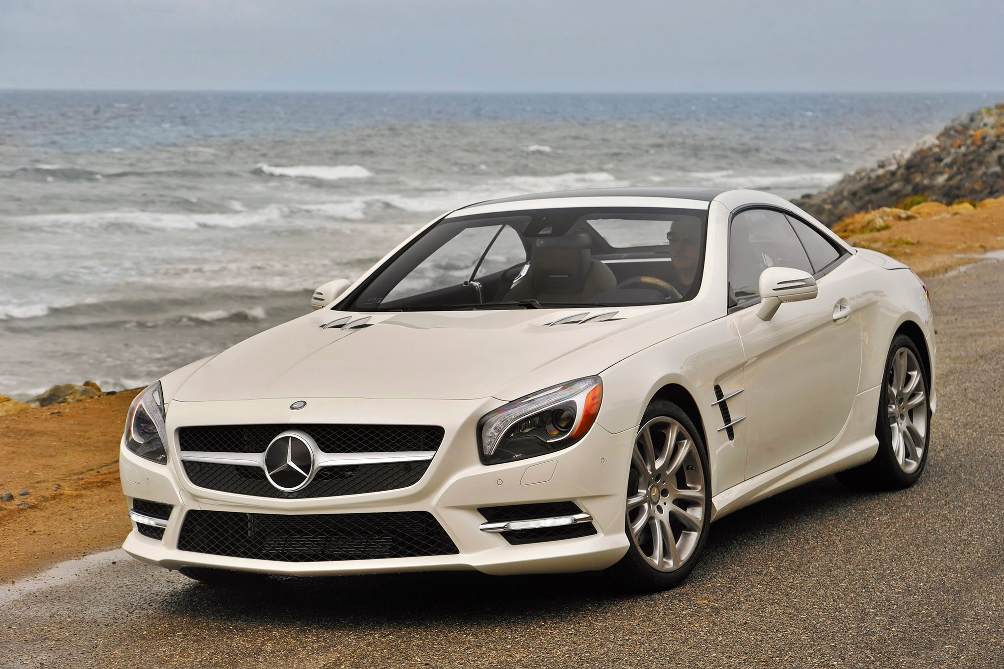 2015 mercedes benz sl400 starts at 84 925 for Mercedes benz sl400