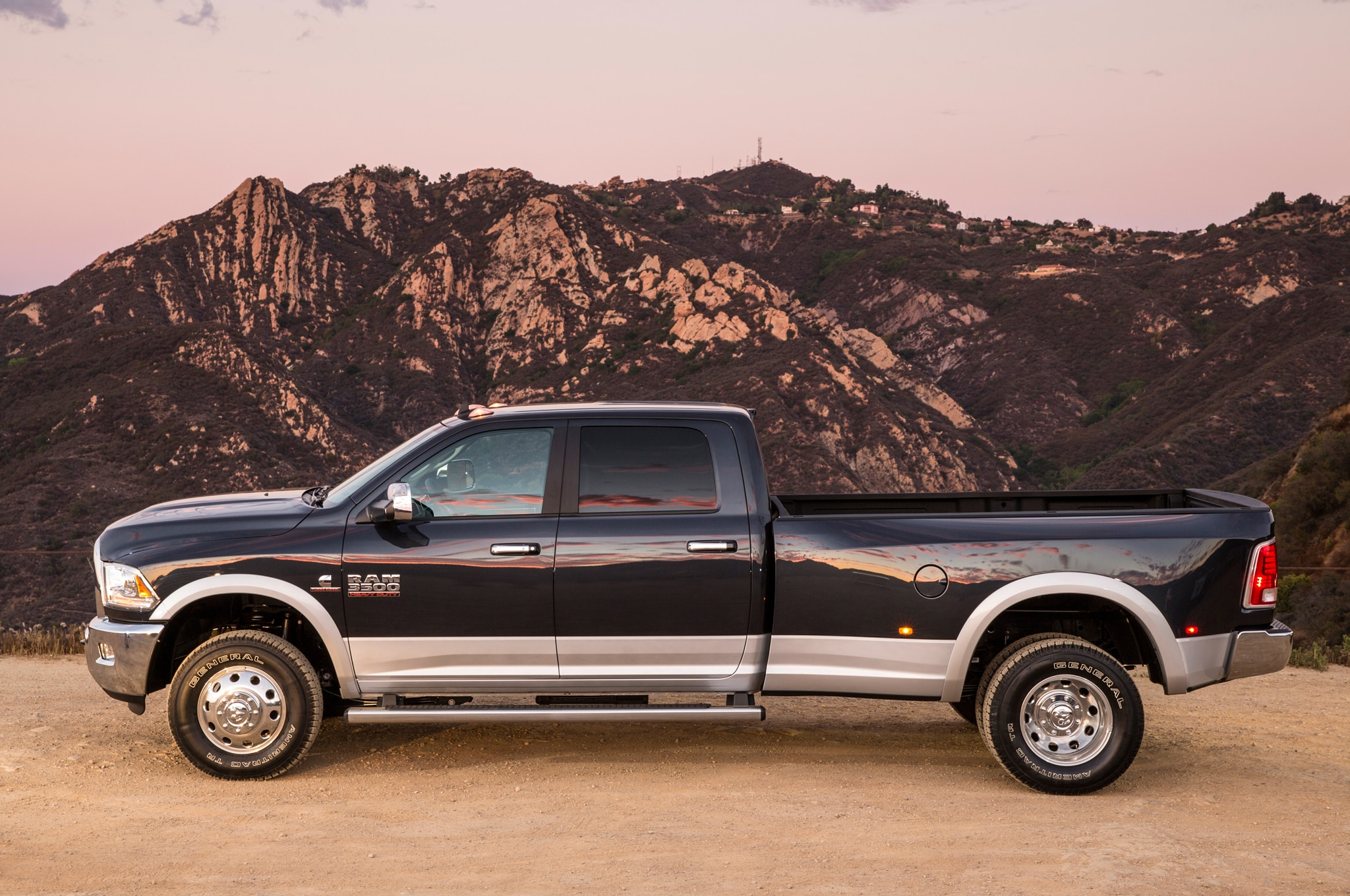 2015 ram 2500 3500 hd revised for higher payload rating. Black Bedroom Furniture Sets. Home Design Ideas