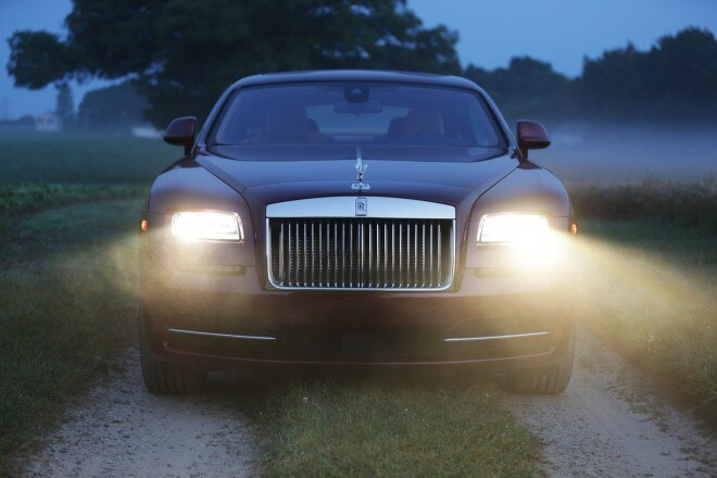 2014 Rolls Royce Wraith Front Headlight1 660x440