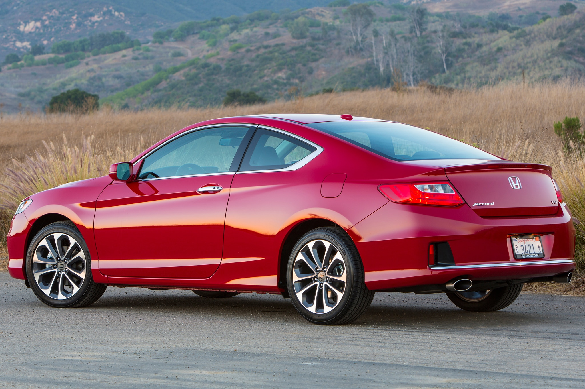 2015 honda accord adds equipment prices increase 150 for 2014 honda accord sedan