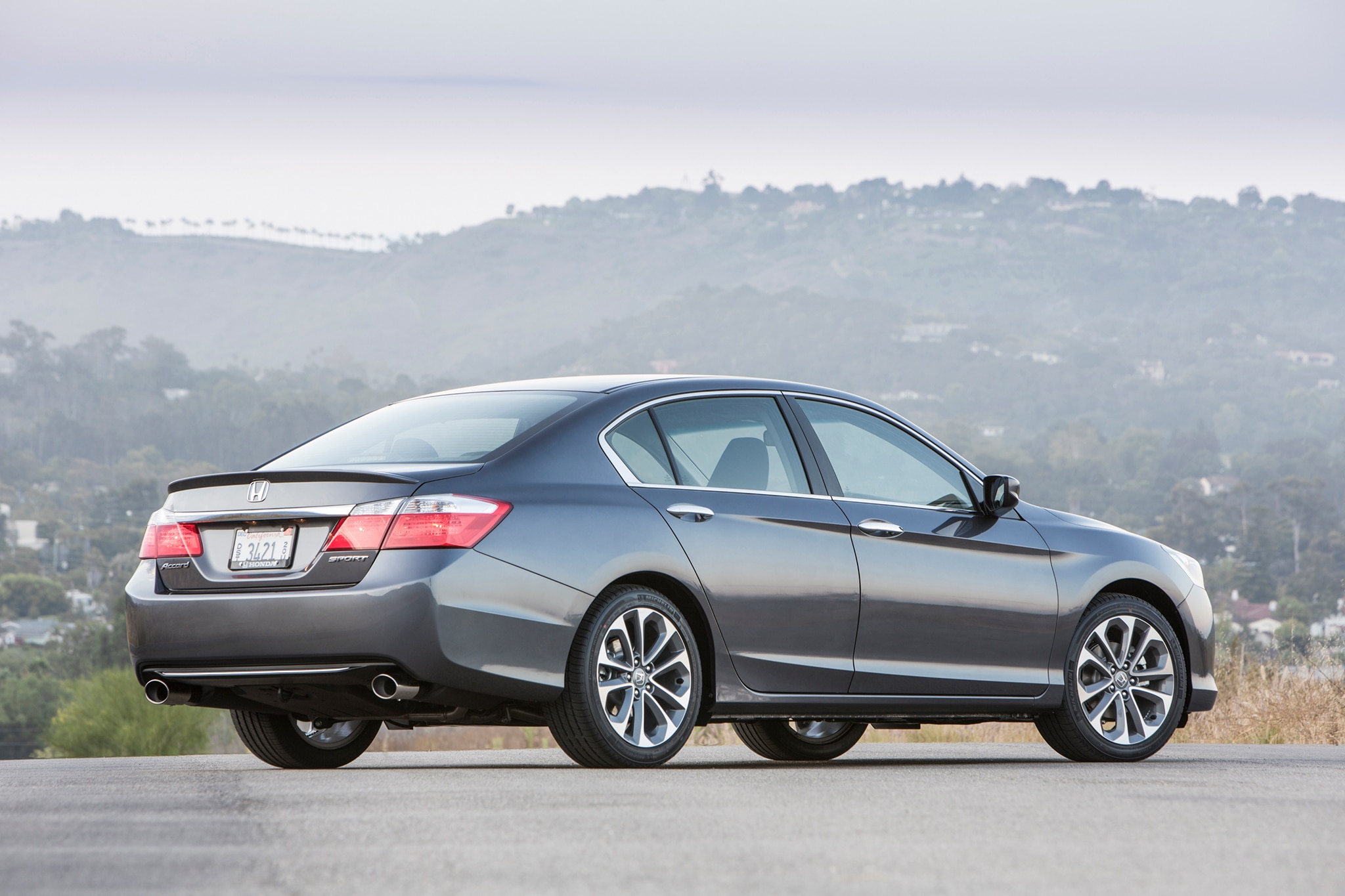 Pricing for the four cylinder 2015 honda accord sedan