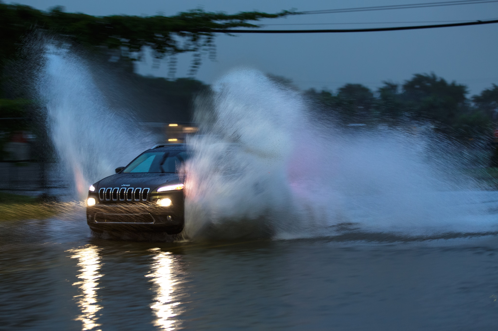2014 Jeep Cherokee Limited Front Flood1