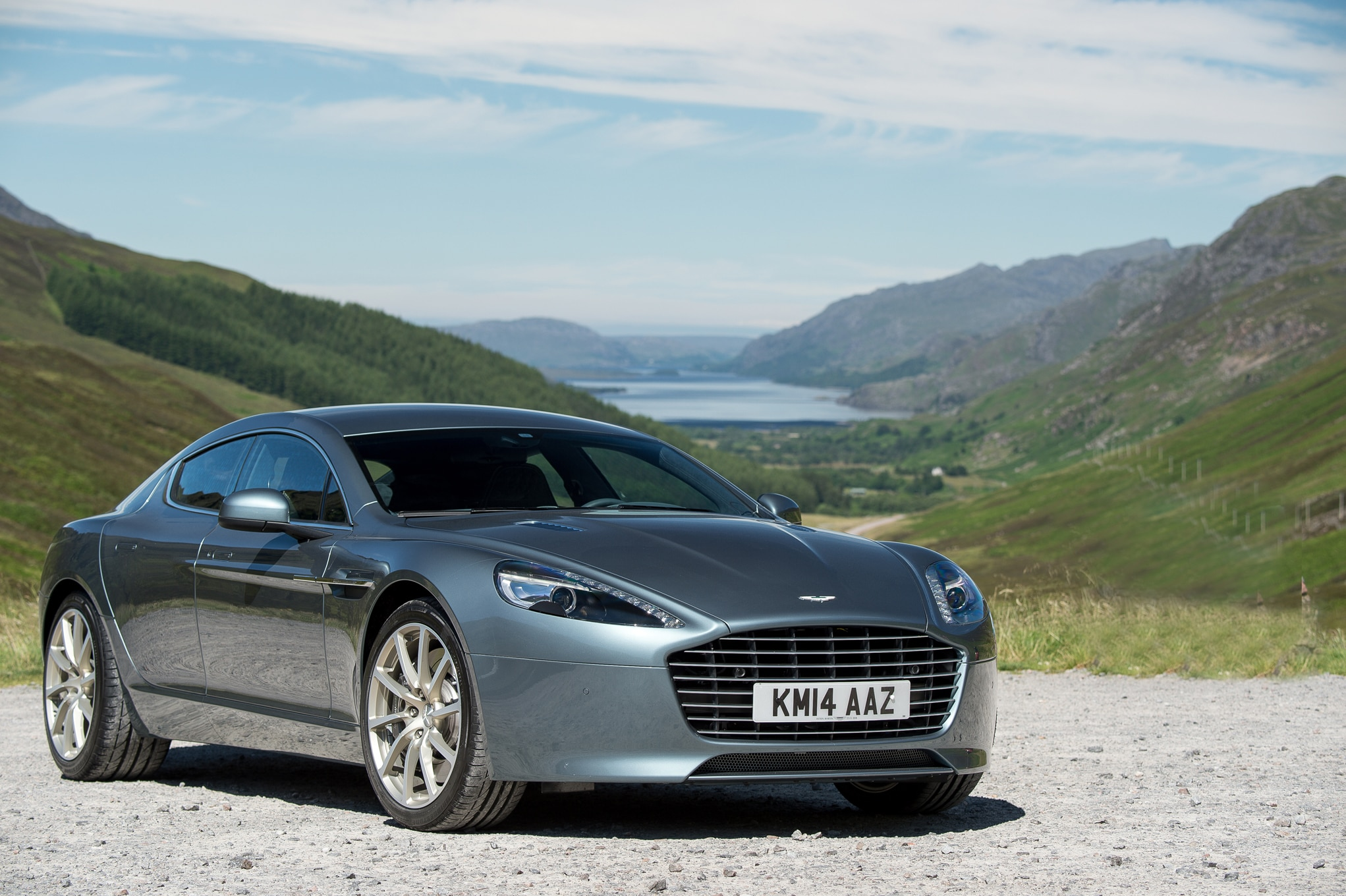 2015 aston martin vanquish rapide s review. Black Bedroom Furniture Sets. Home Design Ideas