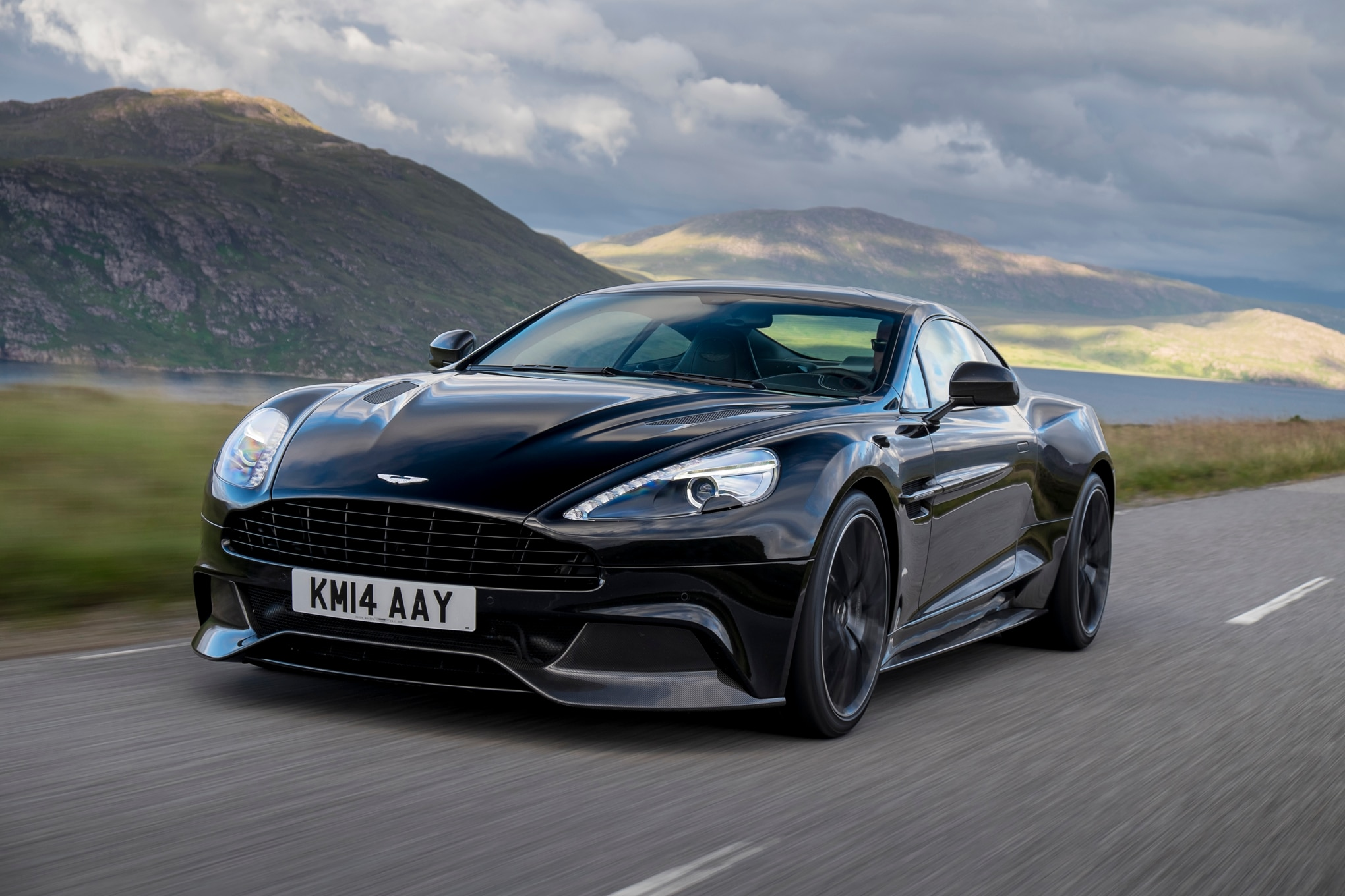 2015 Aston Martin Vanquish Front Three Quarter In Motion 041