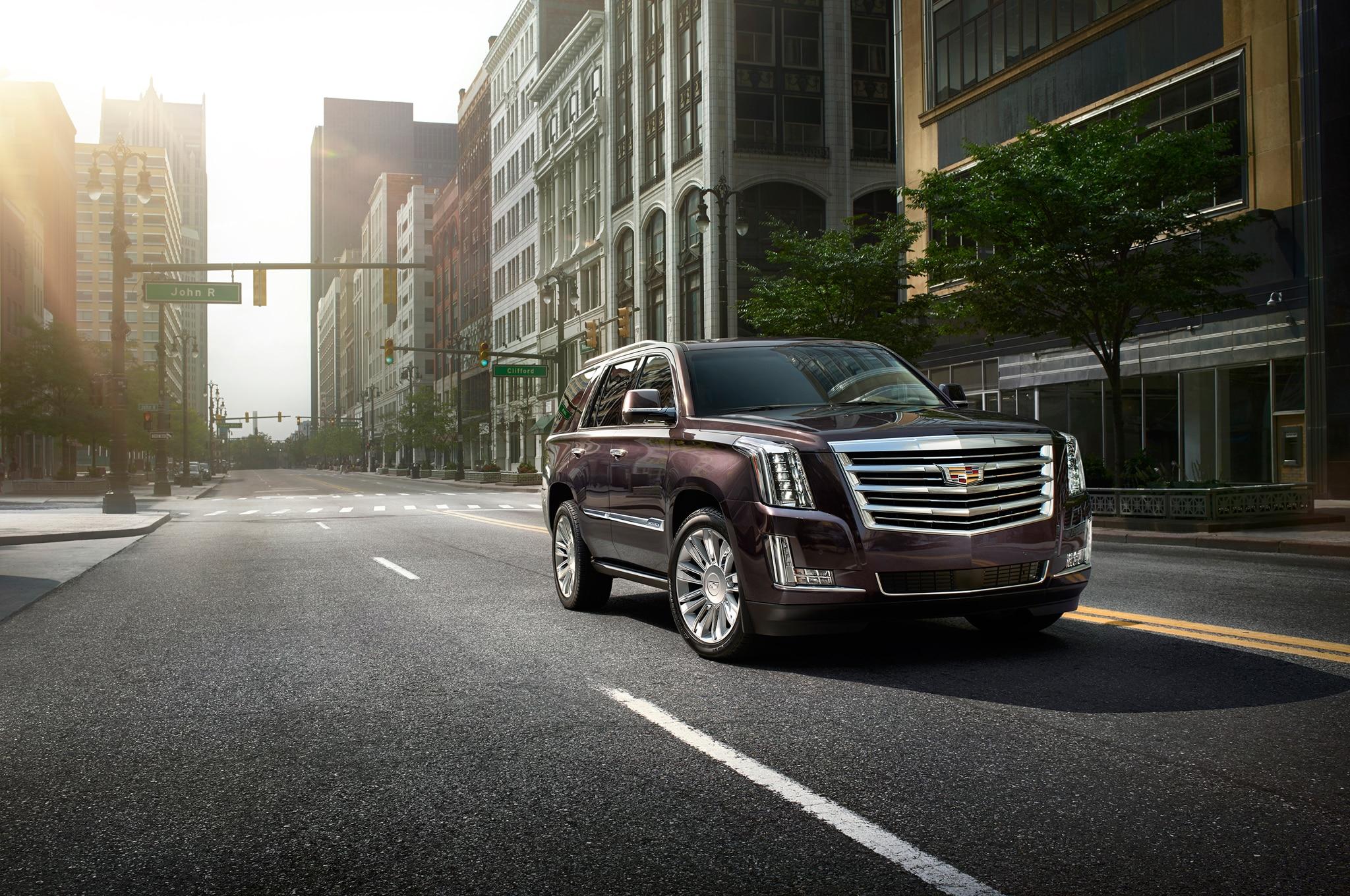 2015 Cadillac Escalade Platinum Front Three Quarter1