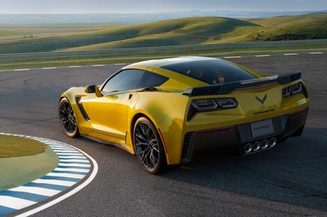 2015 Chevrolet Corvette Z06 Rear Three Quarter Turn 660x438