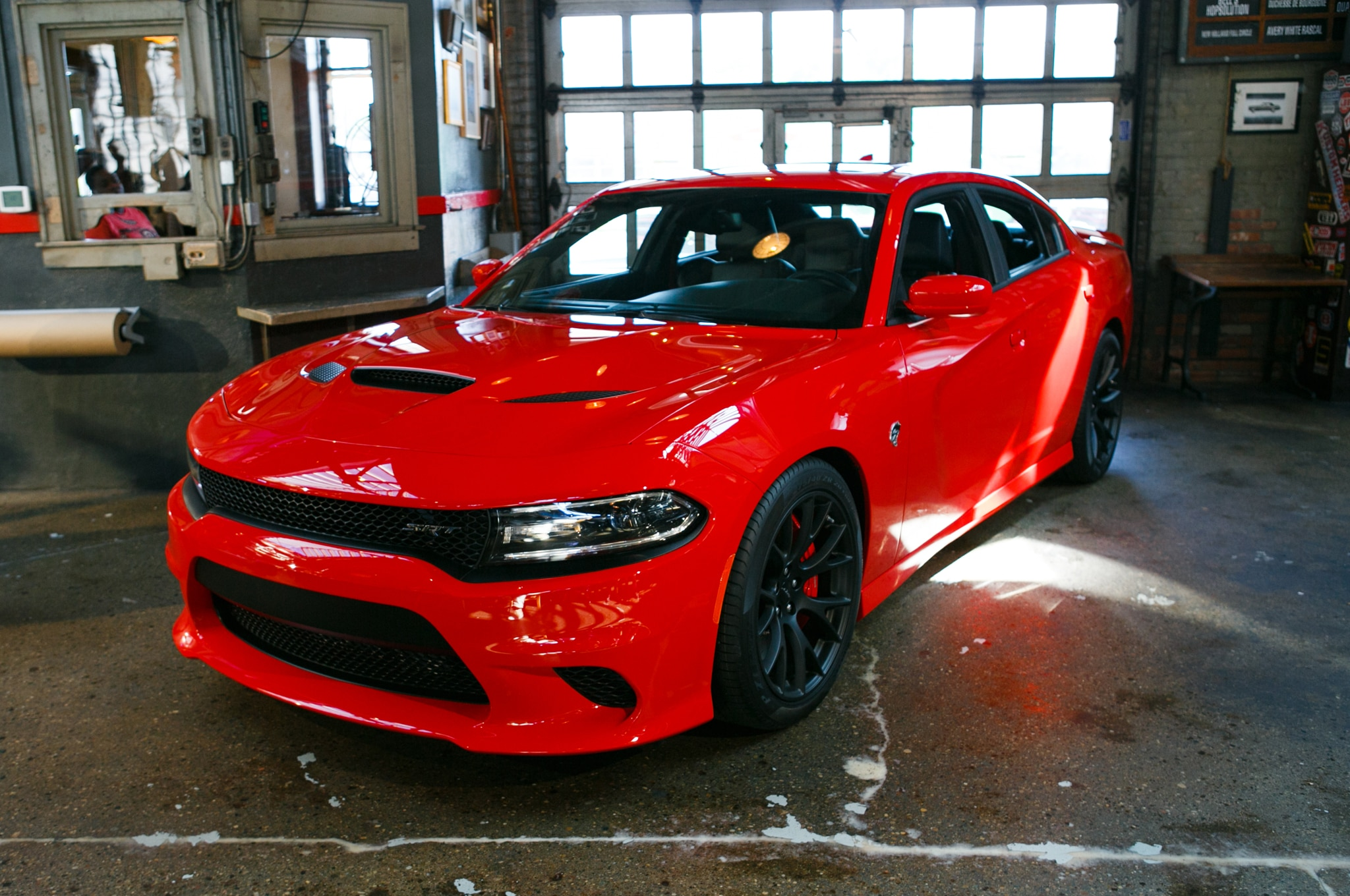 2015 Dodge Charger SRT Hellcat Front Three Quarter1