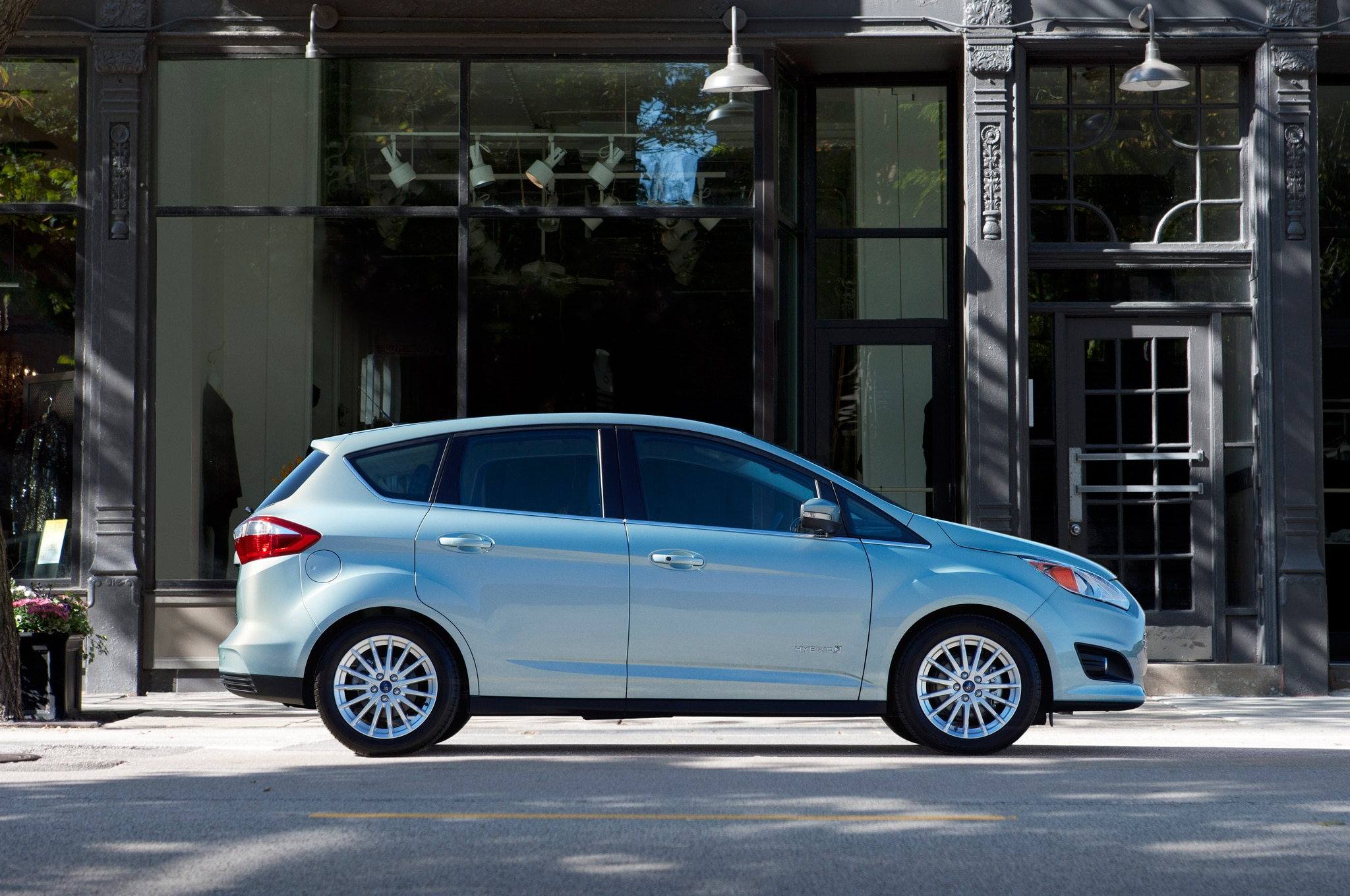 2015 Ford C Max Hybrid Side Profile1