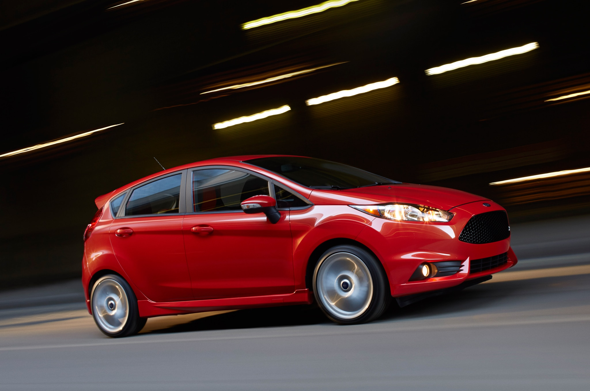2015 Ford Fiesta ST Side In Motion1