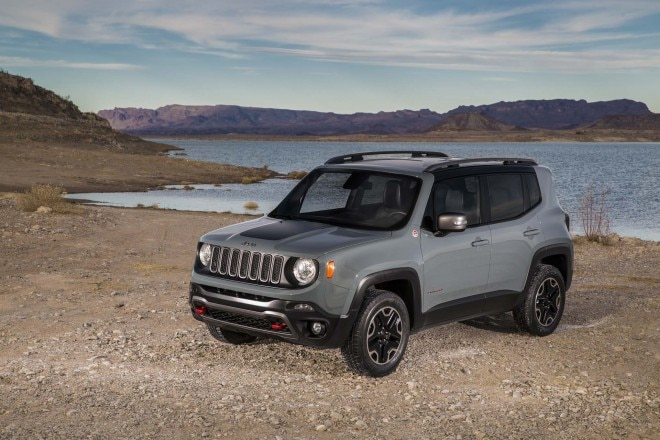 2015 Jeep Renegade Trailhawk Front Three Quarters 03 660x440