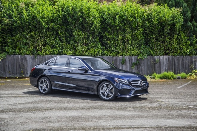 2015 Mercedes Benz C400 4Matic Front Three Quarter 022 660x440