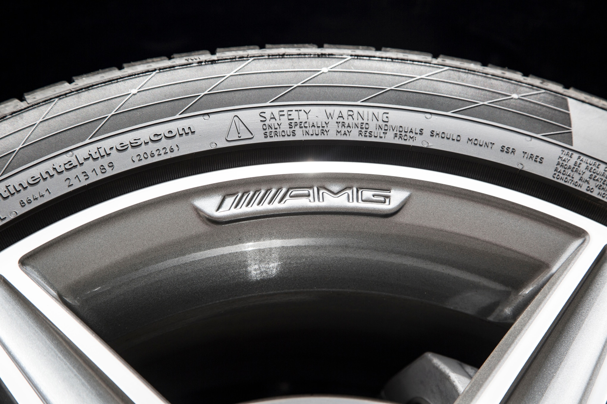 2015 mercedes benz c class review for Mercedes benz tyres