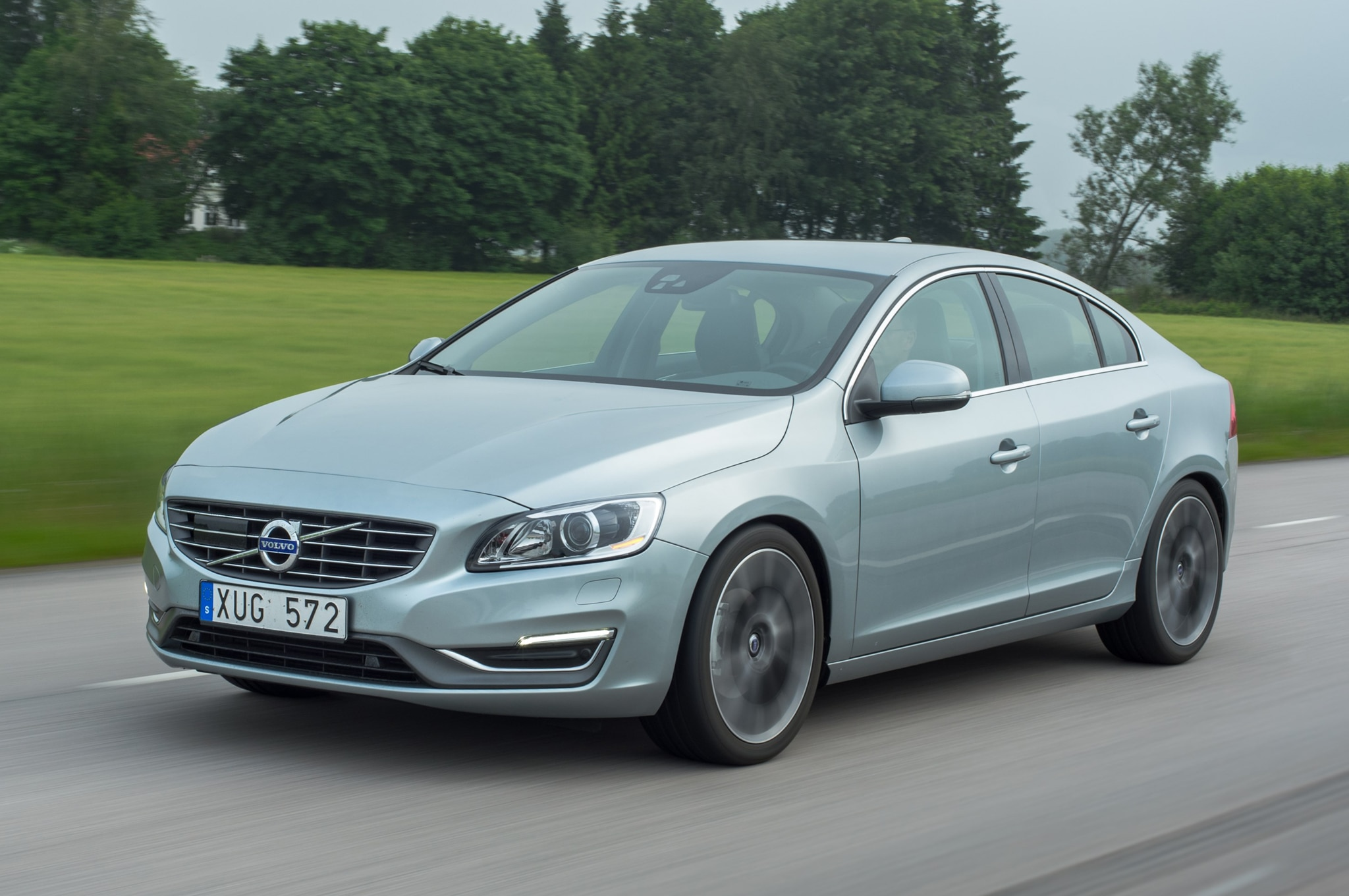 2015 Volvo S60 With Drive E Powertrain Front1